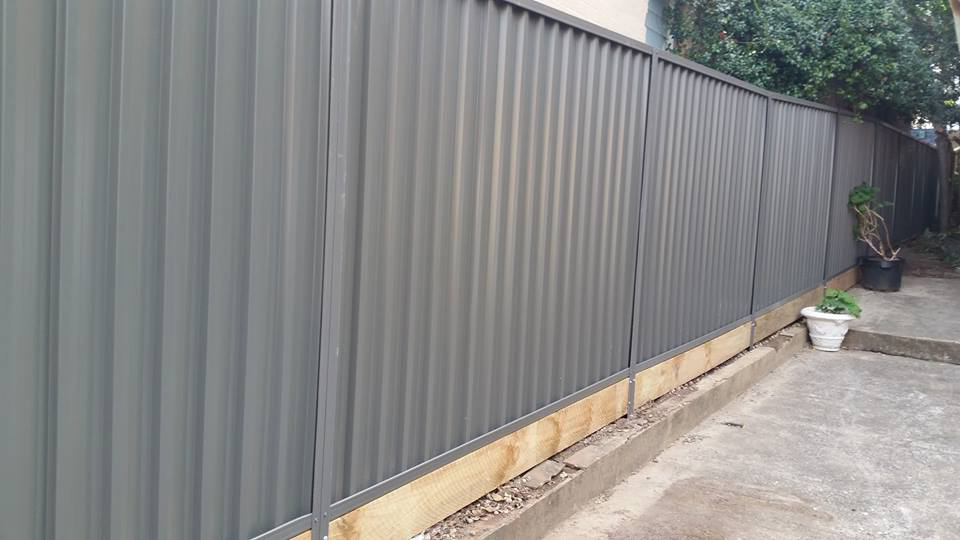 Stainless steel fencing is a termite resistant material