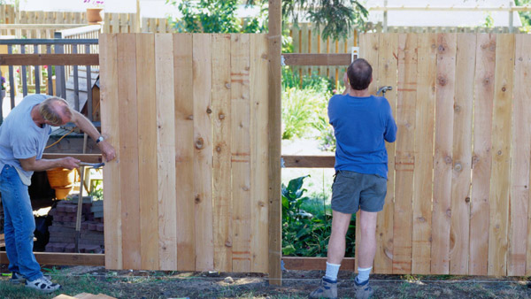 Installing a hardy wooden fence