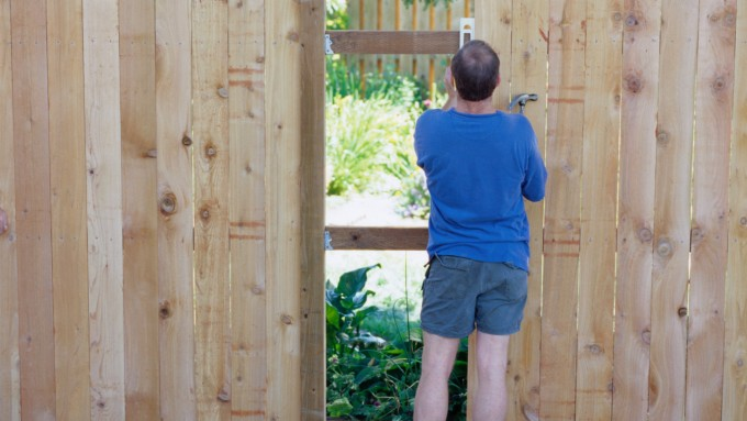 Replacing your wooden fence